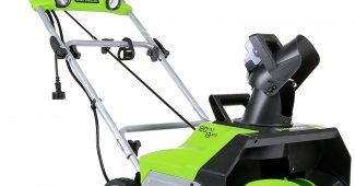 GreenWorks 2600202 13 Amp 20-Inch Corded Snow Thrower