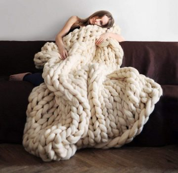clootess Chunky Knit Blankets